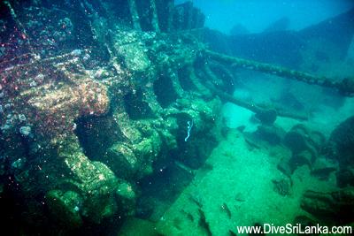 Затонувший танкер SS Conch в Хиккадуве